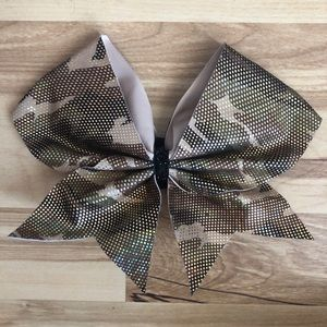 Accessories - camo cheer bow
